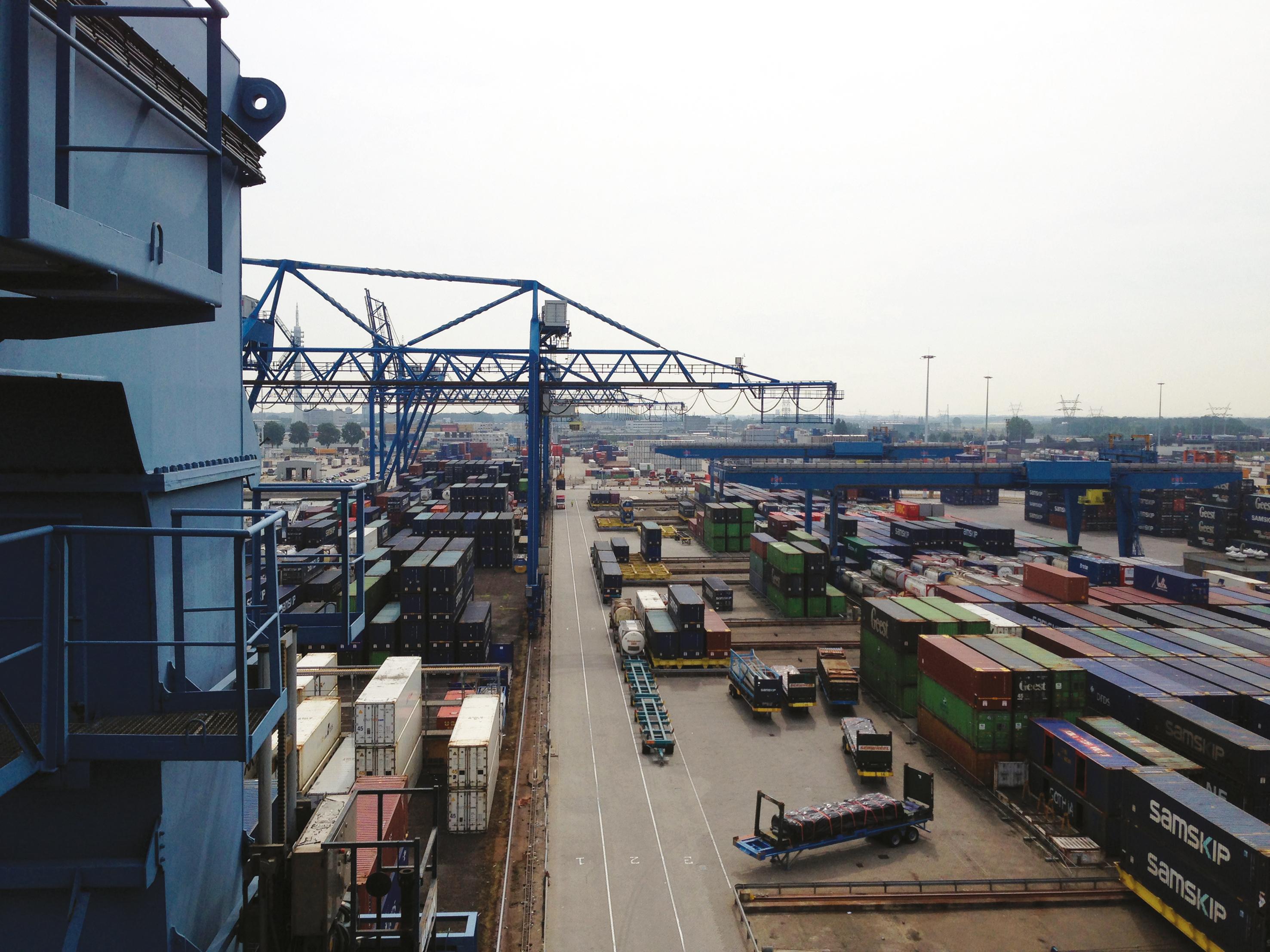Абсолютное измерение положения для портовых контейнерных кранов
