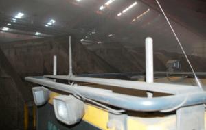 Определение положения погрузчика при обработке сыпучих материалов